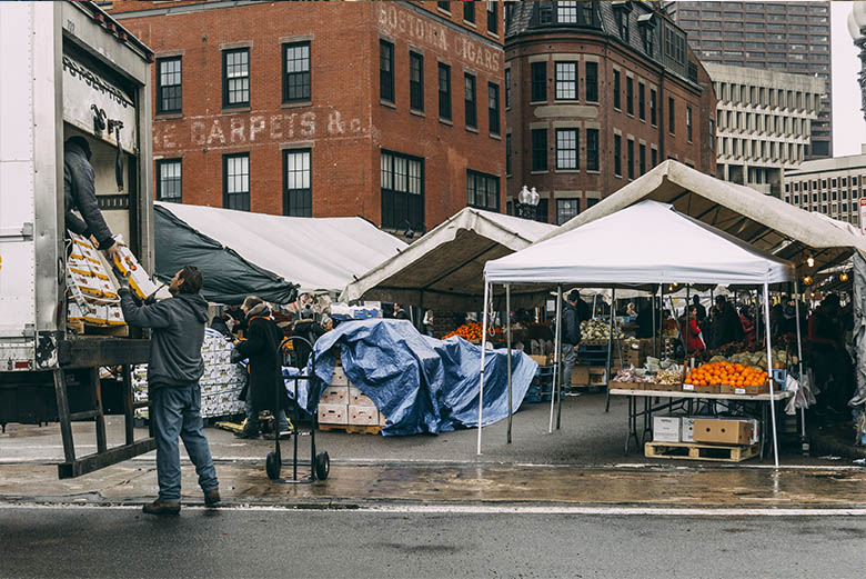 ahorra al viajar en Mercado Boston